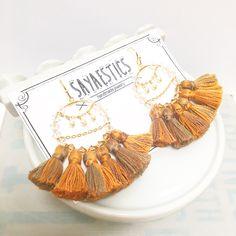 Orange tassel earrings k14GF/イヤリング変更可能♪オレンジカラーのタッセルフープピアス | ハンドメイドマーケット minne