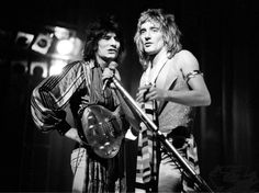 Rod Stewart Performing With Ronnie Wood on December 1, 1973