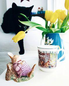 Minäkö keski-ikäinen?: Pieni tarina ystävyydestä ja sydämellistä pääsiäis... Coffee, Lifestyle, Animals, Coffee Cafe, Animales, Animaux, Kaffee, Cup Of Coffee, Animais