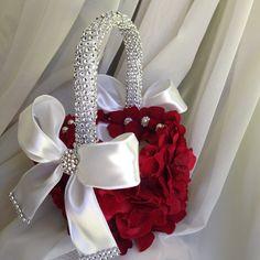 MY DREAM WEDDING FOR CHRISTMAS - Wedding Accessories #WeddingStaples