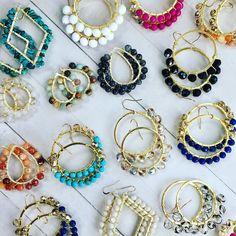 No hay descripción de la foto disponible. Rose Jewelry, Bead Jewellery, Beaded Jewelry, Jewelery, Handmade Jewelry, Green Tassel Earrings, Bead Earrings, Wire Wrapped Jewelry, Jewelry Crafts