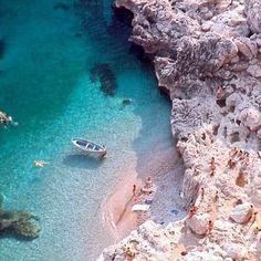 #mulpix C O C O B E L L A  C A P R I  Heading to  #rome tomorrow✈️ then to  #positano ❤️  #Capri  #Italy  #casacosenza  #aldolfo  #summerfun  @italian_food @napolifoodporn @eating_well_in_positano  #musicontherocks  #beachbags  #jossimyers  #capri I A M F R O M  #australia  #cottesloe ❤️❤️  #Italy  #Amore  #dolcefarniente @amfossati @ozboardies @mimilifestyle1 @milchomewares @indianicrottnestisland  @palm_tree_lifestyle
