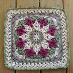 Kingsley is a 12 inch afghan block designed specifically for Mugginsquilts BAMMM SHAZAAM 2016 CAL. Crochet Square Blanket, Crochet Squares Afghan, Crochet Quilt, Crochet Blocks, Crochet Cushions, Crochet Pillow, Crochet Mandala Pattern, Granny Square Crochet Pattern, Afghan Crochet Patterns