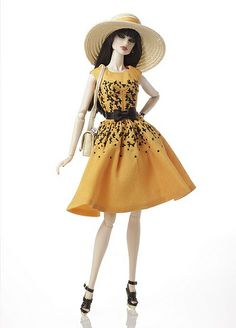Exceptional Tatyana Alexandraova FR2™ Dressed Doll 2011 Jet Set Convention Exclusive Table Centerpiece