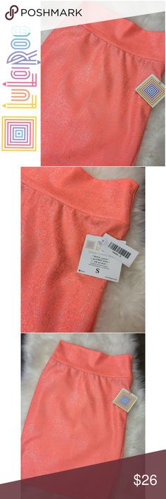 NWT!! Cute!! LulaRoe Cassie Skirt Coral And Silver LulaRoe Cassie Skirt Coral And Silver Skirt NWT  Size: S  Fast Shipping  Smoke Free Pet Free Home LuLaRoe Skirts Mini