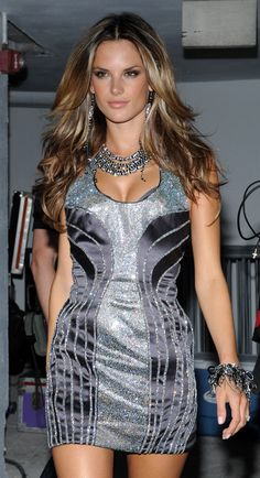 Alessandra Ambrosio, love this hair colour