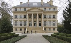 There are wineries and WINERIES… And this is a W I N E R Y….! Read on…. http://www.wijngekken.nl/2014/12/07/wineries-world-chateau-margaux/