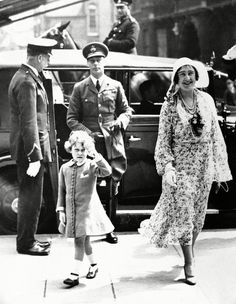 Royal Family, Young Princess Elizabeth, Mother Queen Elizabeth and King George VI, Young Queen Elizabeth, Lady Elizabeth, Princess Elizabeth, Duchess Of York, Duke Of York, Duke And Duchess, Queen Mother, Queen Mary, Reine Victoria