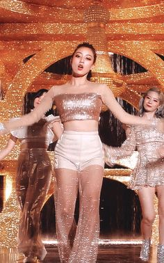 Find images and videos about kpop, gif and twice on We Heart It - the app to get lost in what you love. Nayeon, Kpop Girl Groups, Korean Girl Groups, Kpop Girls, Asian Woman, Asian Girl, Twice Group, Jihyo Twice, Stage Outfits