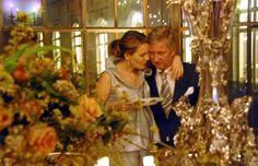 Paleis verspreidt nieuwe beelden van Filip - De Standaard (Now King Phillipe and Queen Mathilde of Belgium on July 21st, 2013).