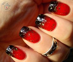 Red and black ombre with gold glitter nails Gold Nails, Blue Nails, Glitter Nails, Gold Glitter, Shellac Pedicure, Red Manicure, Pedicure Ideas, Nail Ideas, 49ers Nails
