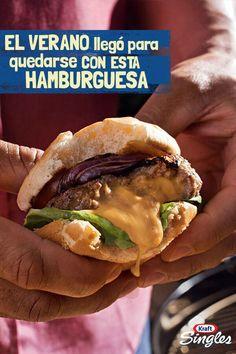 El queso encima de la carne de hamburguesa es cosa del pasado. Prueba la jugosa hamburguesa rellena con suculento queso derretido. Precaución: tu familia necesitará más servilletas de lo esperado.