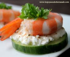 Cucumber, goat cheese, shrimp and parsley appetizer Shrimp Appetizers, Healthy Appetizers, Appetizer Recipes, Tapas, Best Pasta Salad, Shrimp Recipes Easy, Cooking Recipes, Healthy Recipes, Appetisers