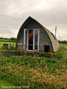 Dove dormire in Scozia: Mini guida ricerca alloggio - 50sfumaturediviaggio Glamping, Workshop, Cottage, Cabin, House Styles, Mini, Home Decor, Atelier, Decoration Home
