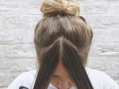 A step-by-step guide to cutting your fringe at home and the tools you need to do it. Read more on Grazia. How To Cut Fringe, How To Cut Bangs, Long Fringe Hairstyles, Hairstyles With Bangs, Professional Hair Scissors, Face Framing Bangs, Bangs Tutorial, Hair Puff, Fringe Bangs