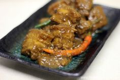 FEAST to the world: Porky Delights - My 10 Hours Slow Braised Babi Assam (Nyonya Tamarind Braised Pork Belly)
