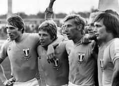 "Malmö FF 1976 Puma  Anders ""Puskas"" Ljungberg, Tore Cervin, Bosse Larsson, Thomas Sjöberg och Conny Andersson Puma, Soccer, History, Couple Photos, Couples, Picture Cards, Football, Futbol, Historia"