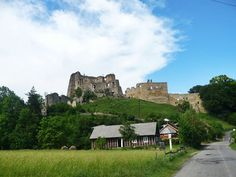 #Zamek #Kamieniec w Odrzykoniu - budowla, która stała się dla Aleksandra Fredry natchnieniem do napisania jego najsłynniejszej komedii.