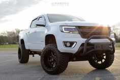This 2018 Chevrolet Colorado is running Moto Metal wheels Nitto Trail Grappler tires with Rough Country Suspension Lift suspension. Chevy Colorado Lifted, 2017 Chevy Colorado, Chevrolet Colorado Z71, S10 Truck, Chevy Pickup Trucks, Lifted Ford Trucks, Truck Mods, Gm Trucks, Rough Country Suspension