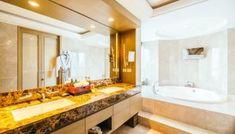 40 Amazing Rustic Bathroom Vanities Ideas & Designs - Home Inspiration Bathroom Lighting Design, Bathroom Mirror Lights, White Bathroom Tiles, Rustic Bathroom Vanities, Bathroom Light Fixtures, Rustic Bathrooms, Small Bathroom, Bathroom Sinks, Bathroom Ideas