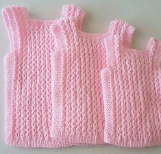 Chalecos Pechitos De Lana Bebé Nuevos! - $ 550,00 Baby Knitting Patterns, Baby Patterns, Betty Boop, Baby Dress, Smocking, Crochet Baby, Kids Fashion, Sweaters, Dresses