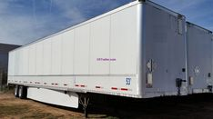 US Trailer is one of the largest trailer leasing and rental companies in the Missouri area, specializing in over-the-road Dry Vans, Flatbeds & Reefers Flatbed Trailer, Semi Trailer, Trailers For Sale, Monster Trucks, Van, Check, Vans