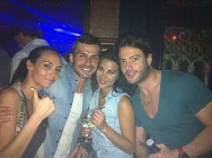 Con @Ainhoagh5 @mmercedes_duran @ales_livi_gh un poquito de fiesta en #LaPosada @Albertodelacru