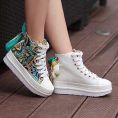 Nueva versión coreana con zapatos de color que empareja las mujeres arco plataforma plataforma plataforma modelo nacional zapatillas mujer $15.26