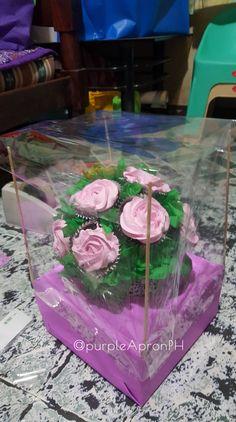 DIY Cupcake Bouquet Box Step by step procedure Inspired by Mini Cupcake Bouquets, Cupcake Flower Pots, Edible Bouquets, Diy Cupcake, Cupcake Ideas, Cupcake Cakes, Cupcakes Flores, Love Cupcakes, Cupcake Packaging