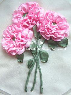 pap flor de fita cetim bordado