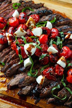 Balsamic Grilled Flank Steak Caprese Healthy Beef Recipes, Grilling Recipes, Cooking Recipes, Vegetable Recipes, Clean Eating, Healthy Eating, Comida Latina, Pork Dishes, Summer Recipes