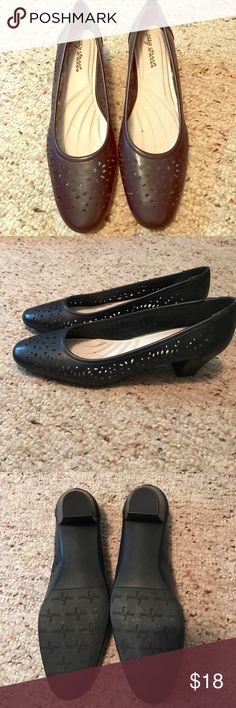 "Navy Blue Pumps, 9.5 narrow, Easy Street Navy Blue Heels pumps with beautiful perforated design in the upper by Easy Street. These are wonderfully padded and gently worn. 1-3:4"" heel. Easy Street Shoes Heels"