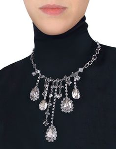 Evatini's drop necklace evokes the splendor of the grand courts of Louis XIV with its fine metal chain and dangling, brilliant crystals in slightly artsy, irregular lengths - a truly outstanding accessory for your most elegant occasions. Gift box included. Made in Italy. #Jewelry #fashion #style #women