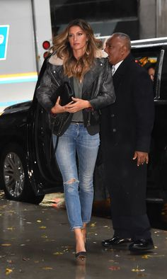 Gisele Bündchen Has Fall's New Must-Have Jacket - November 2016