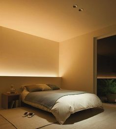 Note: indirect lighting hidden behind furniture. Don't need to clutter space with additional lamps etc and provides nice ambient light.Benzile cu LED-uri, noul trend in iluminarea caseiI love how soft this indirect lighting is. Home Bedroom, Master Bedroom, Bedroom Decor, Bedroom Ideas, Lighting Ideas Bedroom, Bedroom Simple, Bedroom Rustic, Ikea Bedroom, Baby Bedroom