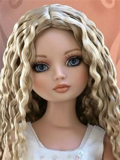 With inset blue eyes and applied lashes, she's definitely our newest Ellowyne with several moods! Two separate wigs made of the highest quality fibers are included. Totally Hair Barbie, Barbie Hair, Doll Face Paint, Face Mold, Realistic Dolls, Anime Dolls, New Dolls, Doll Repaint, Polymer Clay Art