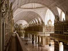 Is This the Most Awesome Library in the World? - via Book Riot 17.03.2014 | We have previously established that Portugal has the most beautiful bookstore in the world, but now it appears they also get the most awesome library. I came a cross a rather amazing one the other day, the library at Mafra National Palace in Portugal. The palace was built by a king who vowed to create it if his wife gave him descendants, which she did. Photo by Will Pryce
