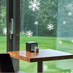 1pc-Cute-New-Removable-Beatiful-White-Snowflakes-Wall-Sticker-Xmas-Decoration