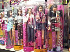 Barbie Box, Mattel Barbie, Barbie And Ken, Barbie Dolls, Vintage Barbie, Vintage Toys, Castle Dollhouse, Priscilla Presley, Friends Set