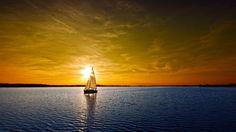 Парусник на горизонте моря | Скачать HD Обои на Планшет | Новые, Необычные, Красивые, Бесплатные