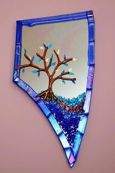 Glass mirror by Syd Milliken, one of 140 exhibitors at the May Verona Park show. #mirror #glass #crafts #rosesquared  www.rosesquared.com