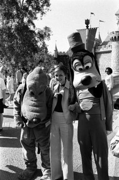 Ralph Crane—Time & Life Pictures/Getty ImagesNot published in LIFE. Twiggy and furry friends at Disneyland during her first visit to the U.S., 1967