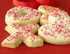 I know there are a ton of sugar cookie recipes here, but I couldnt find this one, and its my favorite! It makes a nice thick and soft sugar cookie, thats perfect for all the holidays. Frost these with your favorite vanilla frosting (I often just used the store-bought stuff...shhhhh!). Cooking time includes chilling time. Im guessing on the amount, but Ill adjust when I make these soon!