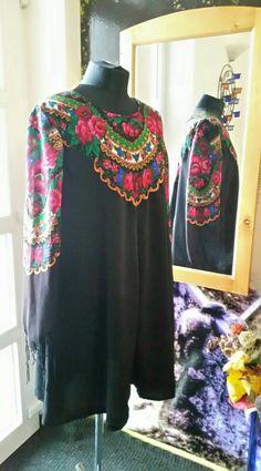 Folklore motivated dress