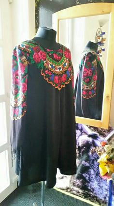 Folklore motivated dress