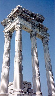 Corner ruins of the Temple of Jupiter.  Pergamum, TURKEY.