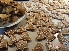 Najlepšie mäkučké medové perníčky na Vianoce | NajRecept.sk Gingerbread Cookies, Ale, Food, Gingerbread Cupcakes, Eten, Ales, Meals, Diet