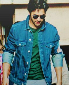 So handsome 😍 Indian Celebrities, Bollywood Celebrities, Bollywood Actress, Bollywood Couples, Bollywood Stars, Varun Dhawan Wallpaper, Prabhas Pics, Hd Photos, Birthday Quotes For Best Friend