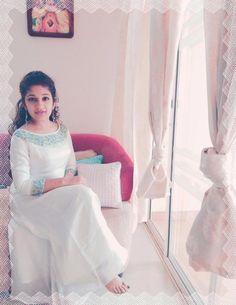 Salwar Neck Designs, Kurta Designs Women, Blouse Designs, Kurti Embroidery Design, Embroidery Dress, Churidhar Designs, Simple Kurti Designs, Gown Party Wear, Frock Patterns