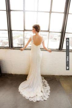 Monique Lhuillier | VIA #WEDDINGPINS.NET
